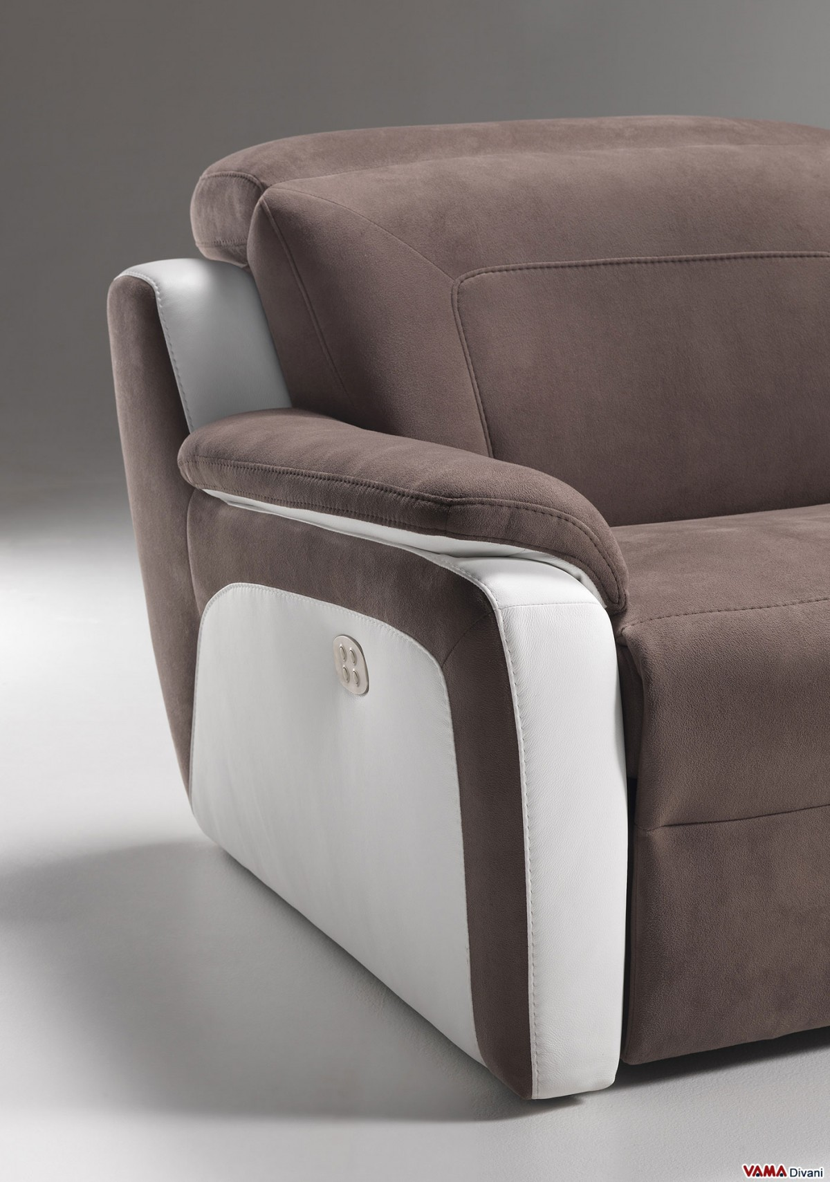 Reclining Sofa With Independent Headrests And Footrests