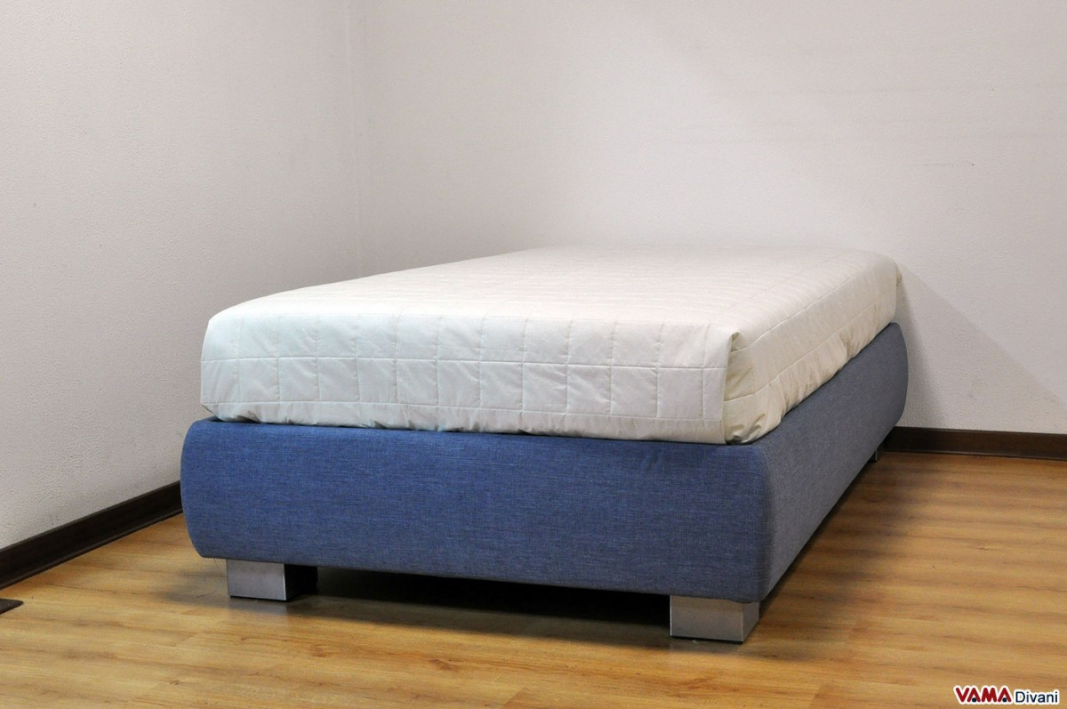 Australia has seven commonly available mattress sizes. Single bed, Long Single, King Single, Double size, Queen size, King size and Super King size. Single: Ideal for children and teens. Single XL: Ideal for one person when space is at a premium. Also known as Long Single and Single Extra Long.