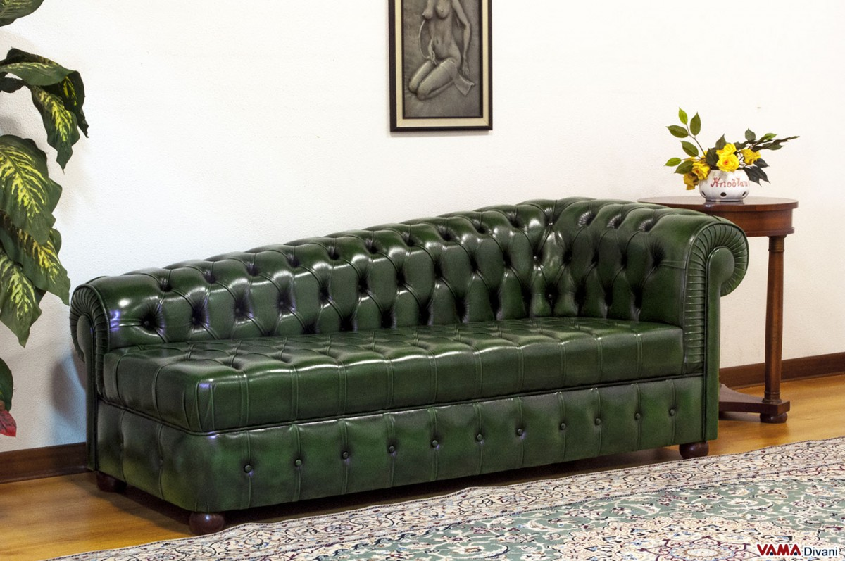 Chester chaise longue with buttoned seating
