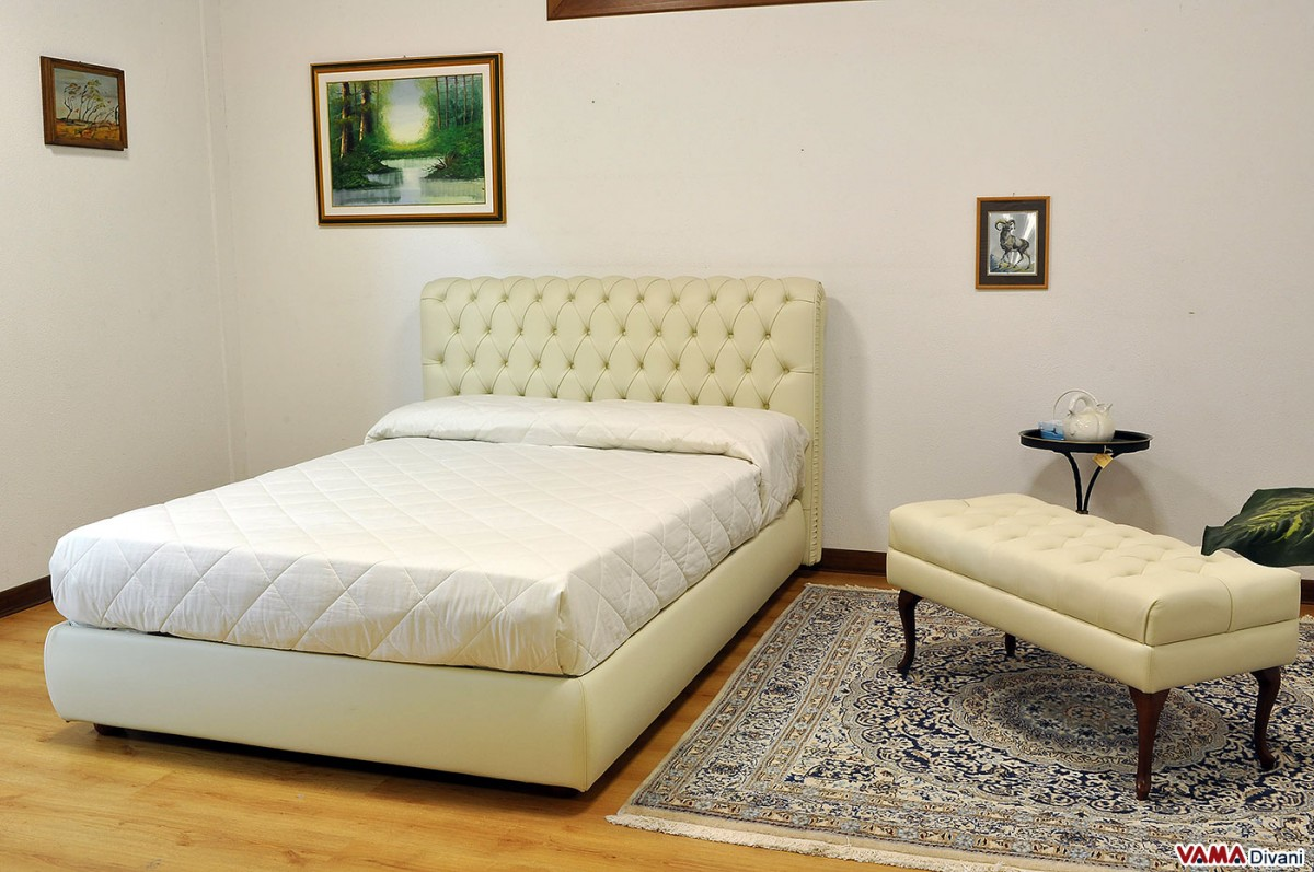 Bed 140 Cm.Chesterfield Leather Double Bed