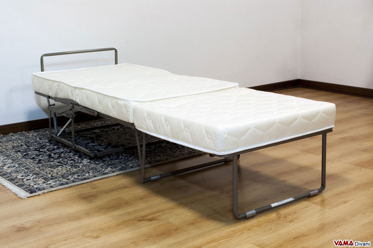 Footstool bed with electro soldered mesh and a 12 cm thick mattress for Pouf trasformabile letto ikea