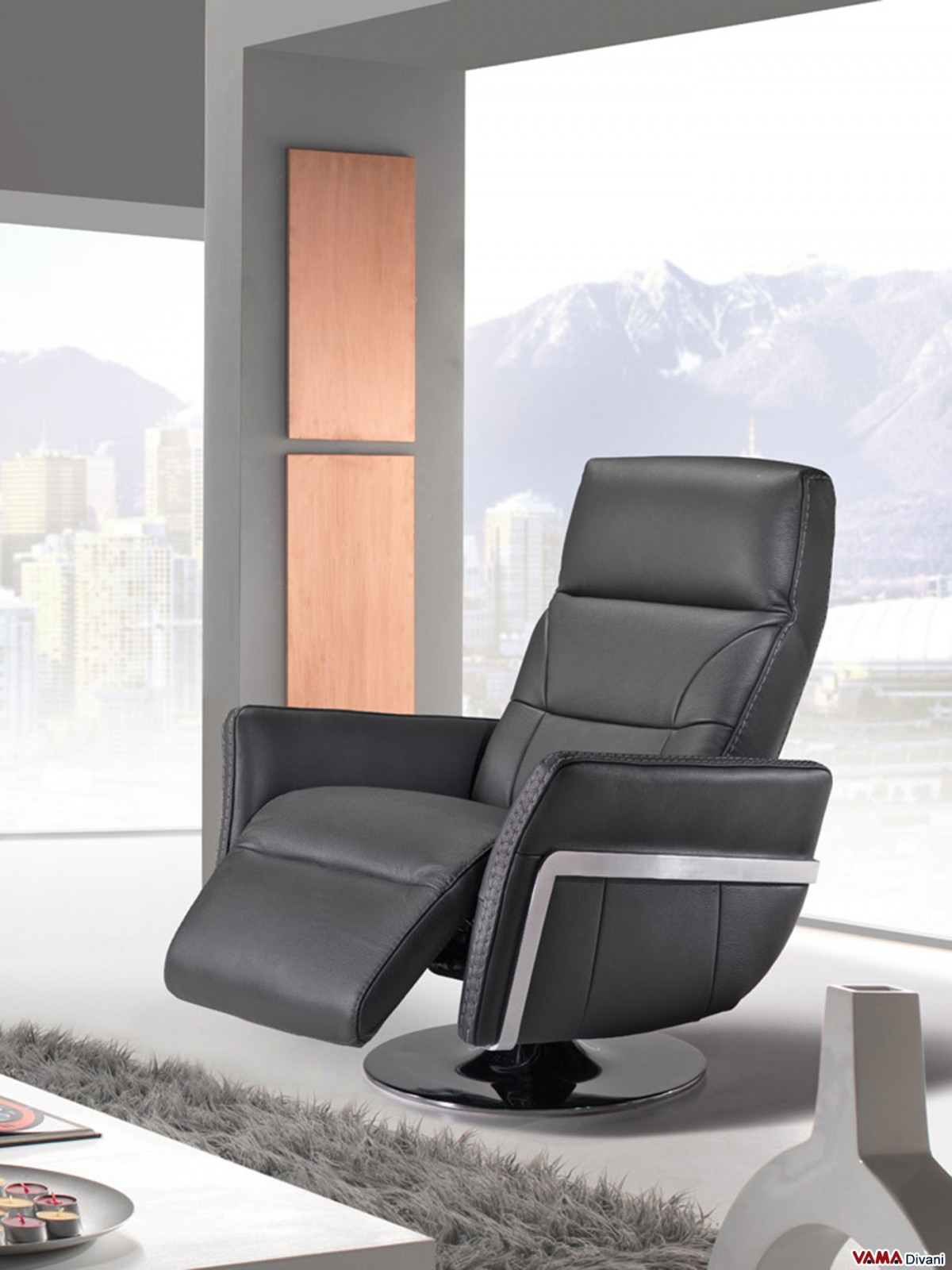Reclining armchair in black leather with manual mechanism