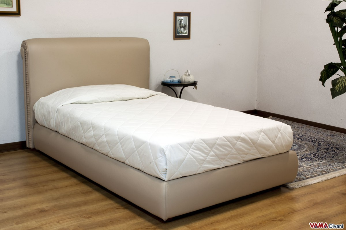 Chesterfield leather double bed create your own custom model - Letto a una piazza e mezzo misure ...