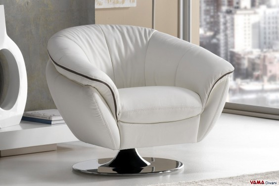 Swivel armchair in white leather