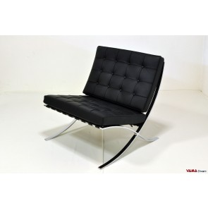 Barcellona armchair in black grain leather