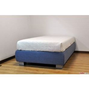 Queen-size bed (120 cm)