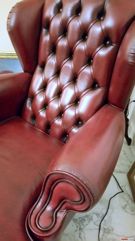 Chesterfield chair with back up
